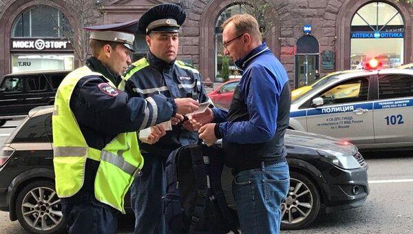 Водитель автомобиля Kia, совершивший наезд на девушку на улице Тверской