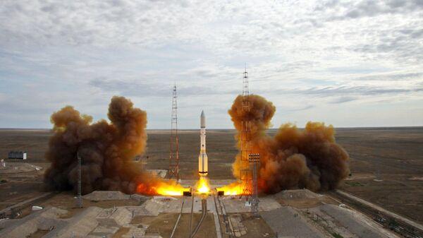 Старт ракеты-носителя Протон-М с Байконура