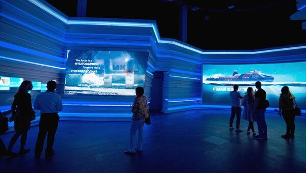 Посетители на Международной специализированной выставке ЭКСПО-2017 в Астане. Архивное фото