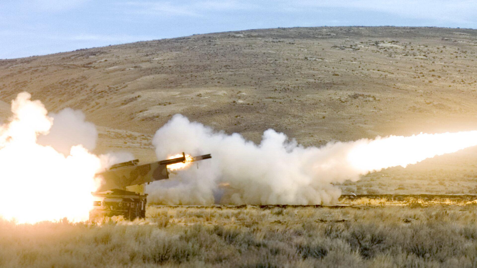 Американская высокомобильная ракетно-артиллерийская система оперативно-тактического назначения HIMARS - РИА Новости, 1920, 25.11.2020
