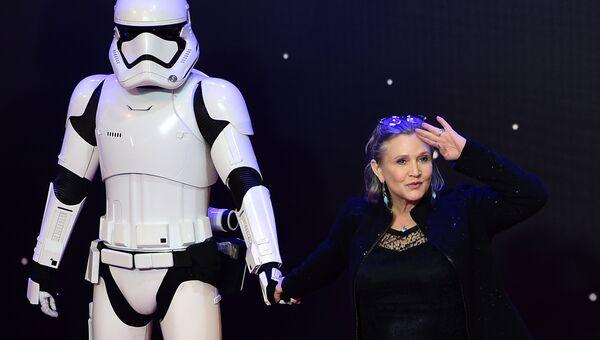 Американская актриса Кэрри Фишер на премьере фильма Звездные войны: Пробуждение силы в Лондоне. Архивное фото