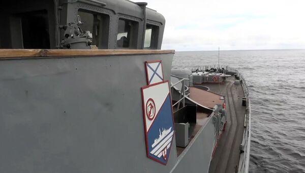 Пуск баллистической ракеты Булава с подводного крейсера Юрий Долгорукий