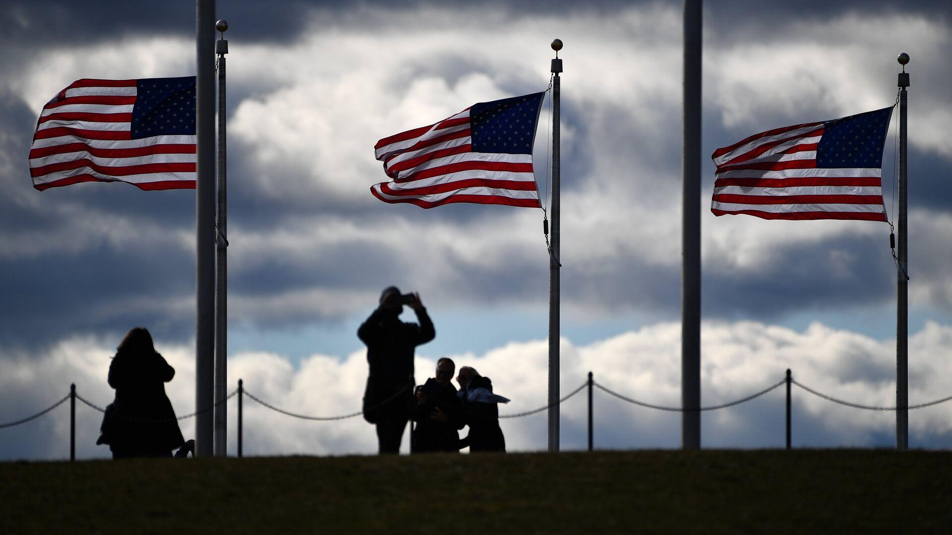 Флаги США в Вашингтоне - РИА Новости, 1920, 10.04.2021
