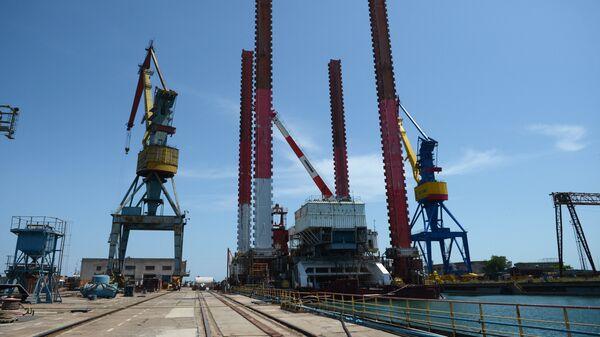 Путин поручил представить предложения по развитию судостроения в Крыму