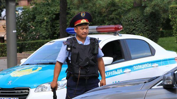 Сотрудник полиции в Казахстане