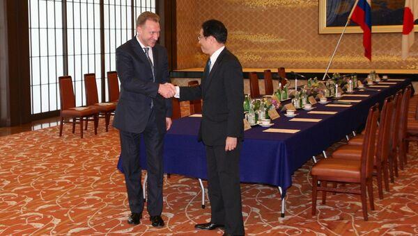 Встреча первого заместителя председателя правительства РФ Игоря Шувалова и главы МИД Японии Фумио Кисиды в Токио