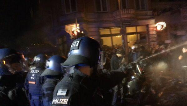 Беспорядки в Гамбурге: как полиция разгоняла протестующих. Архивное фото