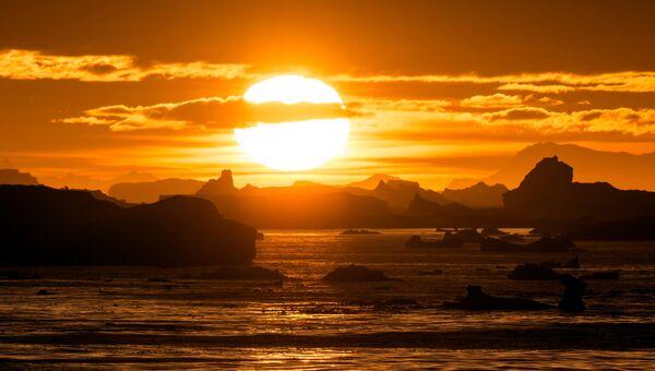 Закат в Антарктиде