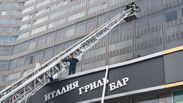 Пожар на улице Новый Арбат в Москве. 18 июля 2017 /