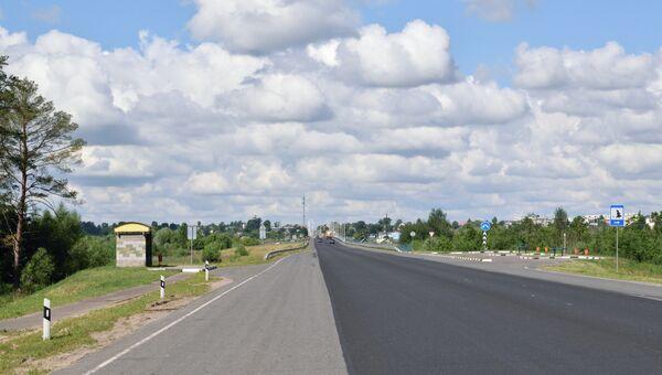 Автомобильная дорога в Белоруссии. Архивное фото