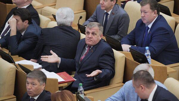 Николай Коломейцев на пленарном заседании Государственной Думы. Архивное фото