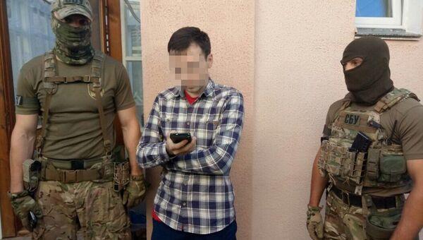 Задержание журналиста Василия Муравицкого сотрудниками СБУ. Архивное фото