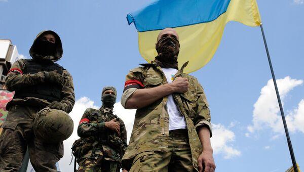 Сторонники радикального движения Правый сектор (экстремистская организация, запрещена в России) в Киеве
