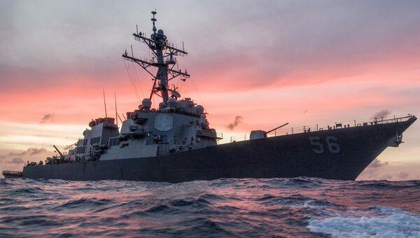 Американский эсминец в Южно-Китайском море. Архивное фото