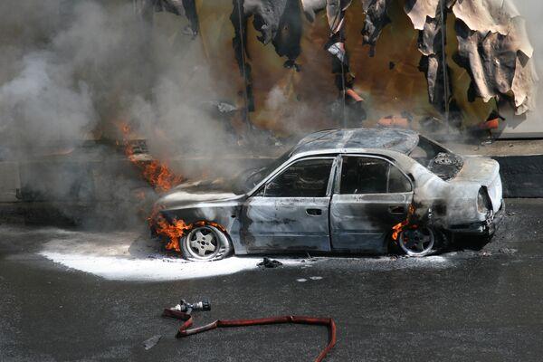 Автомобиль загорелся в тоннеле на Новинском бульваре. Во время пожара произошло два взрыва
