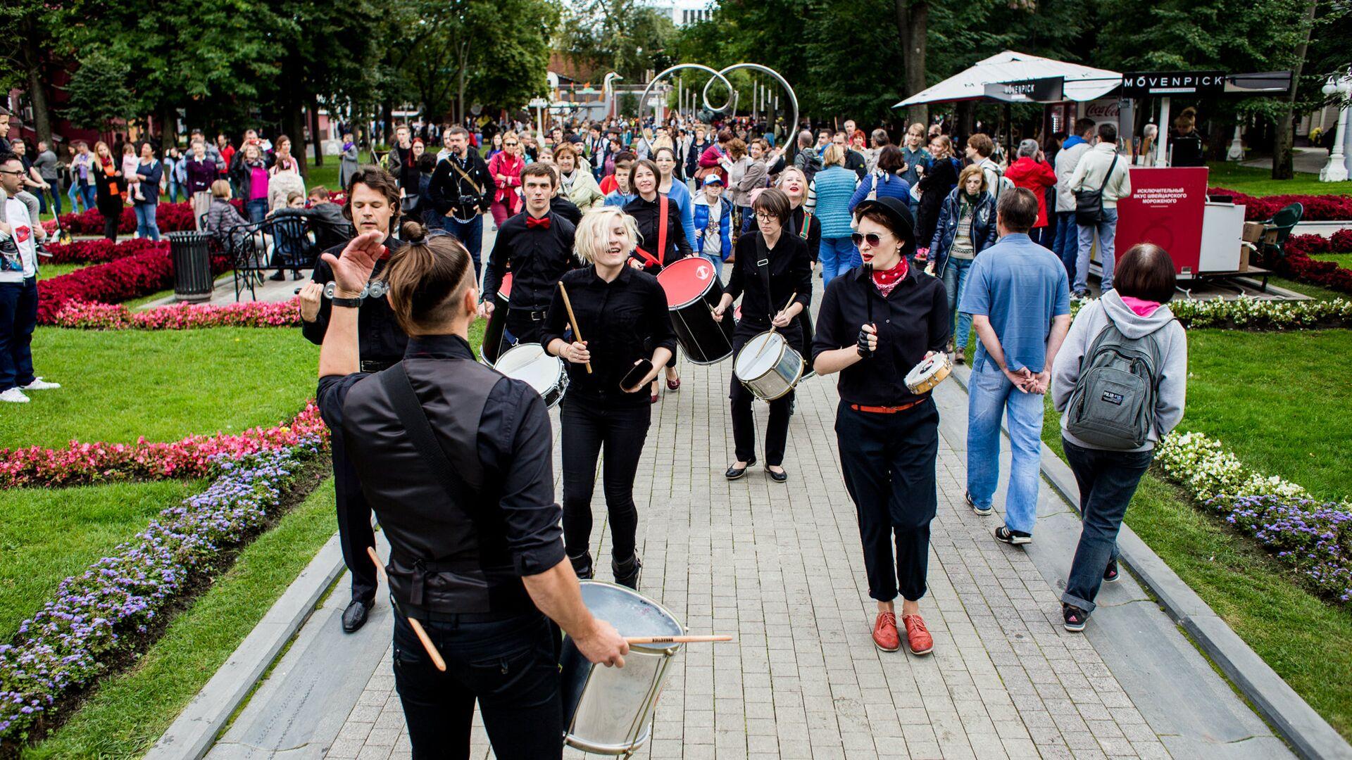 Фестиваль Театральный марш откроет новый сезон в Москве в день города - РИА Новости, 1920, 31.08.2020