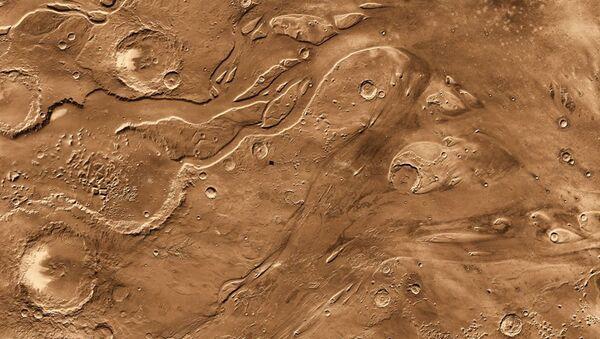 Снимок поверхности Марса с зонда Mars Odyssey. Архивное фото