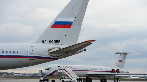 Самолеты ТУ-204-300 Специального Летного Отряда Россия. Архивное фото