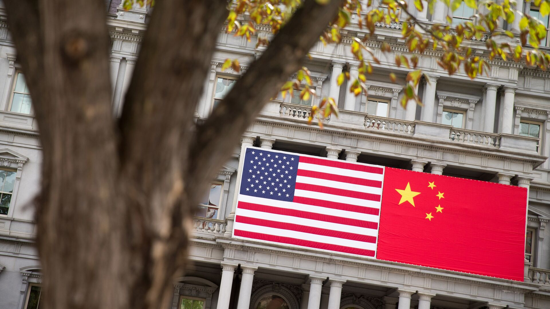 Флаги США и Китая - РИА Новости, 1920, 20.09.2020