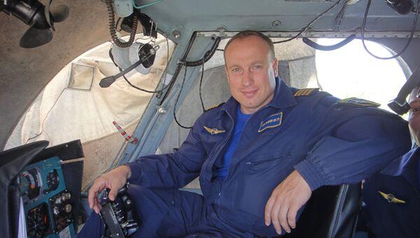 Командир летного отряда Московского авиационного центра Вячеслав Ивлиев