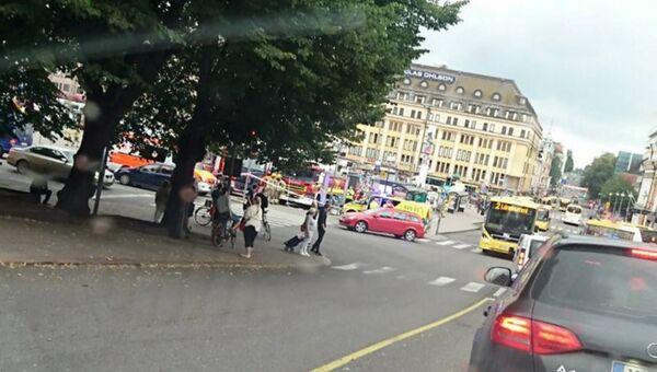 Автомобили спецслужб на Рыночной площади в Турку. 18 августа 2017