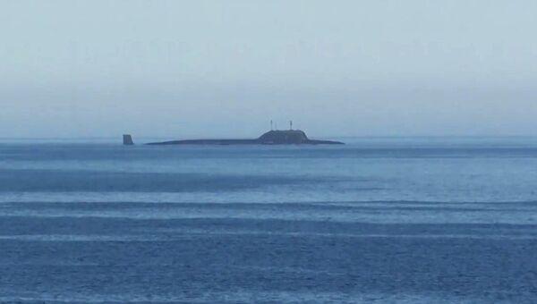 Атомная подводная лодка Северного флота Северодвинск в акватории Баринцева моря перед пуском крылатой ракеты Калибр. 18 августа 2017