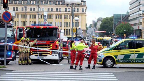 Полиция и спасатели на месте происшествия в городе Турку, Финляндия. 18 августа 2018