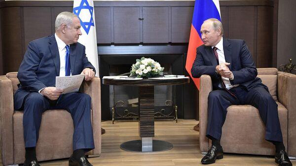 Президент РФ Владимир Путин и премьер-министр Израиля Биньямин Нетаньяху во время встречи. 23 августа 2017