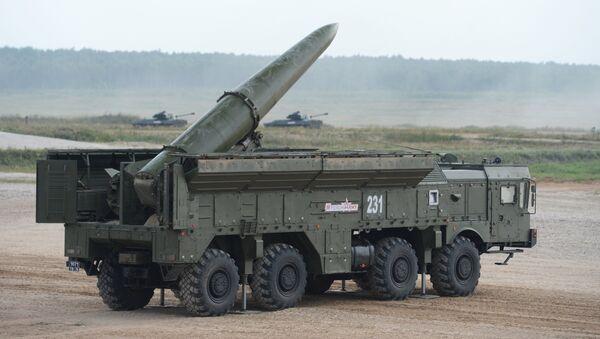 Ракетный комплекс Искандер. Архивное фото