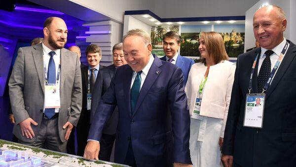 Президент Казахстана Нурсултан Назарбаев посетил павильон России на ЭКСПО-2017 в Астане