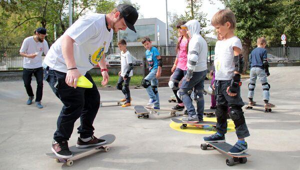 Скейтбордисты. Архивное фото