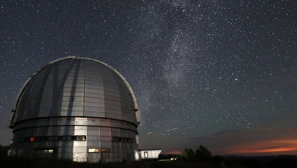 Большой телескоп азимутальный (БТА) на территории Специальной астрофизической обсерватории Российской академии наук. Архивное фото