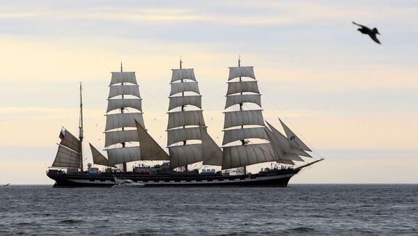 Барк Крузенштерн на Балтийском море. Архивное фото