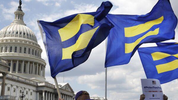 Акция в поддержку американских трансгендеров, находящихся на военной службе. Архивное фото