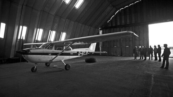 Спортивный самолет Сессна, на котором западногерманский пилот Матиас Руст пересек границу СССР 28 мая 1987 году и приземлился на Красной площади. Архивное фото