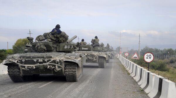 В сторону Цхинвали движутся грузинские танки и пехота