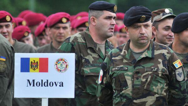 Военнослужащие ВС Молдовы во время Международных военных учений Rapid trident-2016. Архивное фото