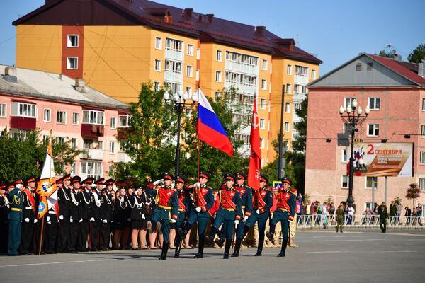 Торжественный парад в Южно-Сахалинске