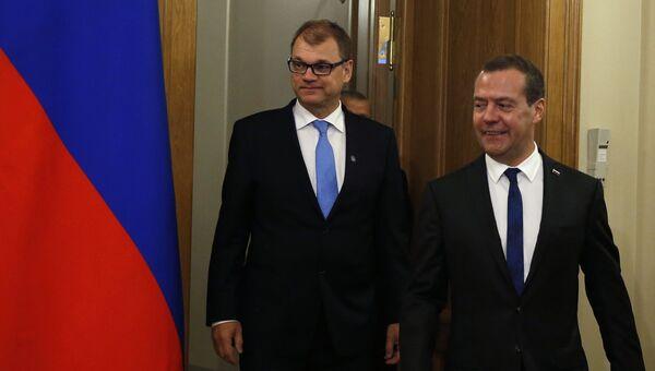 Премьер-министр Финляндии Юха Сипиля и Дмитрий Медведев во время встречи в Санкт-Петербурге. 21 сентября 2017