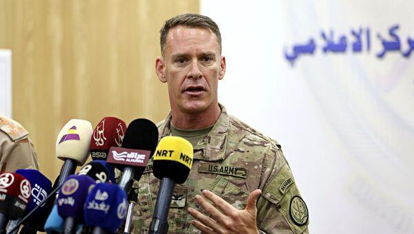 Полковник армии США Райан Диллон во время пресс-конференции. Архивное фото