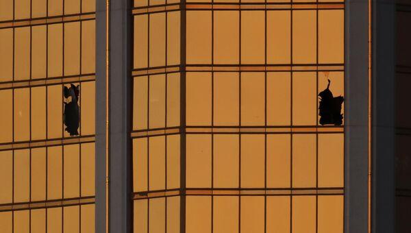 Окна из которых стрелок Стивен Паддок вёл стрельбу в Лас-Вегасе. 3 октября 2017