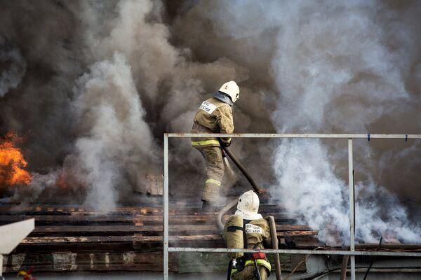Пожар на складе пиротехники в Уфе