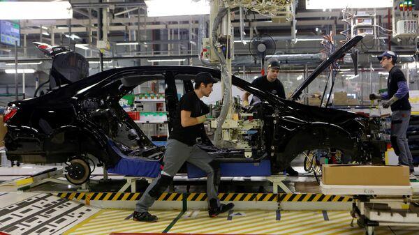 Японский автопром начал восстанавливать работу заводов за рубежом