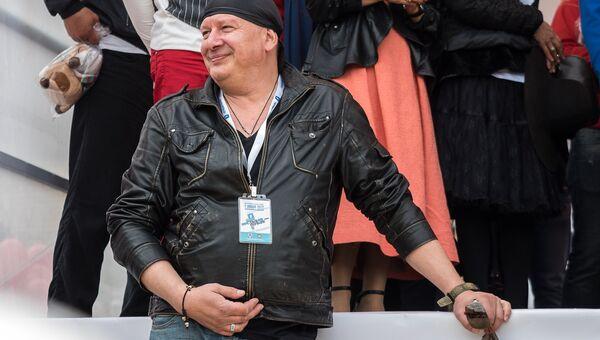 Актер Дмитрий Марьянов на ежегодной благотворительной акции Стань Первым! в Московской области