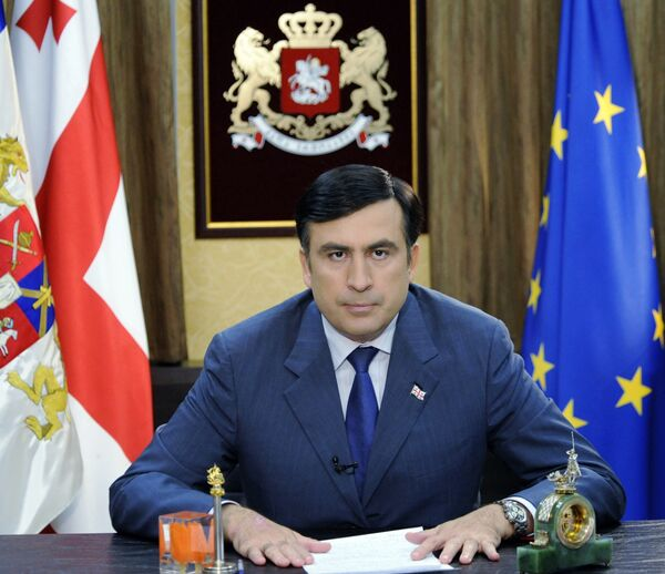 Президент Грузии Михаил Саакашвили во время телевизионного обращения