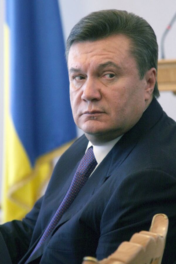 Янукович обещает в случае победы на выборах поддержать инициативу РФ по евробезопасности