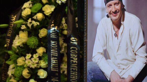 Церемония прощания с актером Дмитрием Марьяновым в Москве