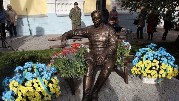 Памятник Симону Петлюре в Виннице. Архивное фото