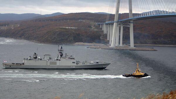 Фрегат ВМС Индии Саптура, прибывший во Владивосток в составе отряда боевых кораблей ВМС Индии для участия в международных российско-индийских межвидовых учениях Индра – 2017. Архивное фото