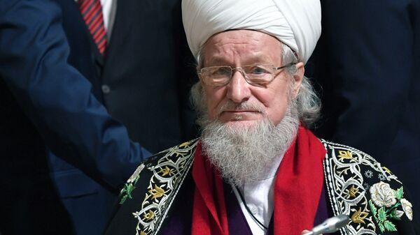 Верховный муфтия Талгат Сафа Таджуддин на открытии XXI Всемирного русского народного собора. 1 ноября 2017